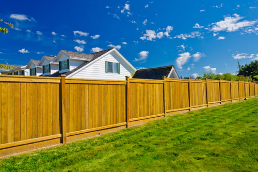 Pose de clôture et poteaux